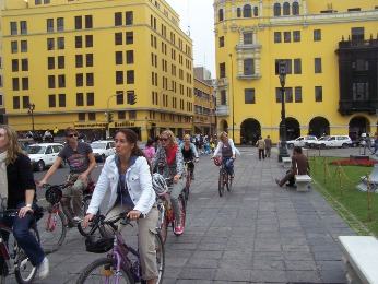KLM crew - Lima city bike tour - perucycling.com