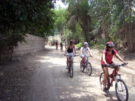 Pachacamac Bike Tour  www.perucycling.com